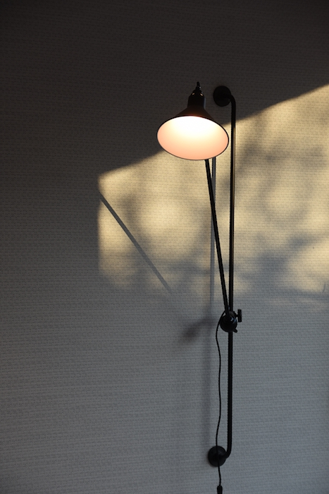 Light fixture in the meeting space texture