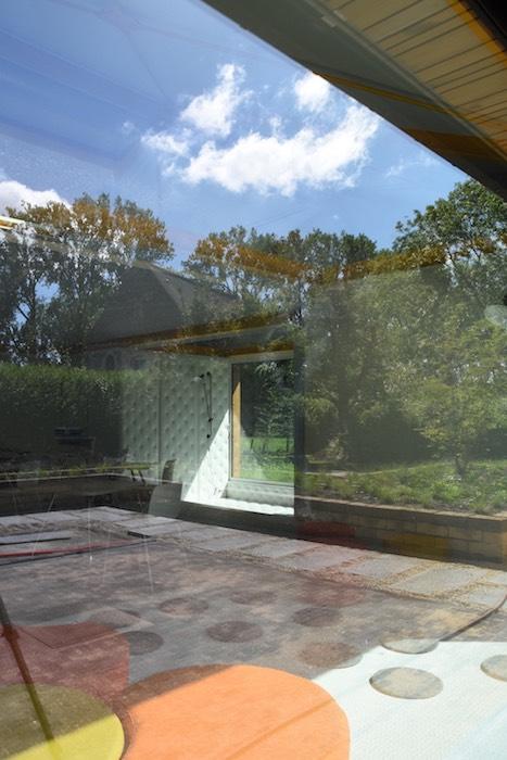 Doorzicht van op het terras aan Create op de break-out ruimtes texture en perspective