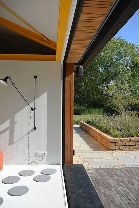 Dubbelzicht tussen creatieve ruimte Texture en het terras